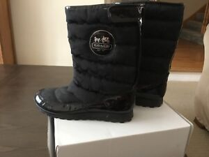 Coach winter boots size 81/2