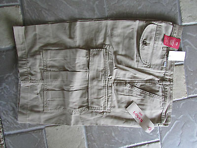 NEW LEVIS CARRIER CARGO SHORTS MENS 52 KHAKI 248780000 LOOSE FIT FREE SHIP