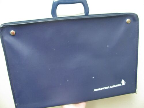 VINTAGE SINGAPORE AIRLINES NAVY CASE