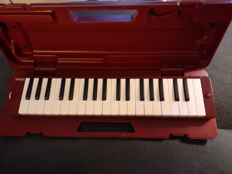 Yamaha P37d 37-key Pianica Melodic with new Mouthpiece and Extension