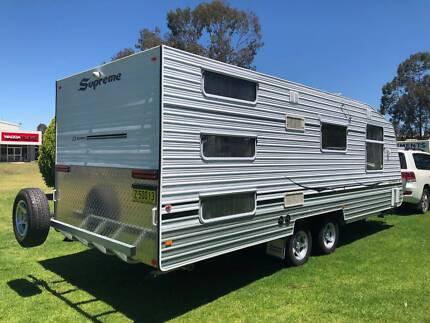 Supreme Classic family bunk van