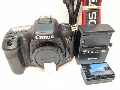 Canon EOS 7D Mark II Digital SLR Camera Body + BONUS - VERY CLEAN !!