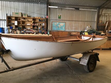 Cold molded plywood dingy 12 ft