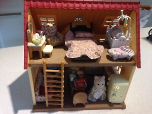 Sylvanian small house and furniture