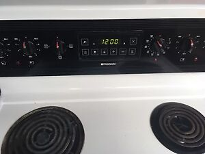 Frigidaire stove perfect condition delivery