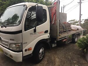 Hino Duttro 300 616 2009 model tray / beavertail Automatic Kirrawee Sutherland Area Preview
