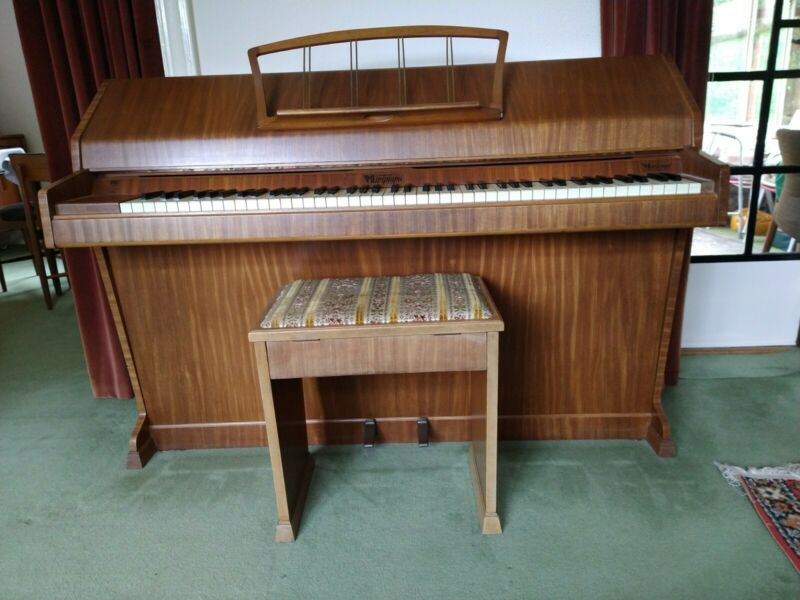 Eavestaff Mini Piano & stool ( Excellent Condition)