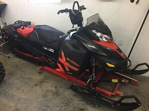 2014 ski-doo summit x 800 163""