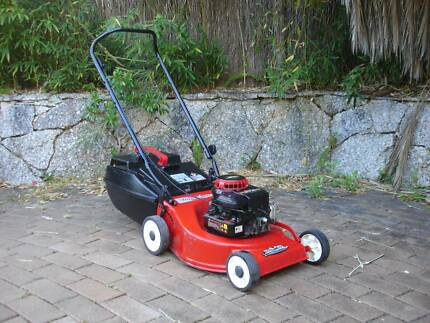 ROVER 'QUICKSTART' MOWER - 4 STROKE - FULLY SERVICED - RUNS WELL