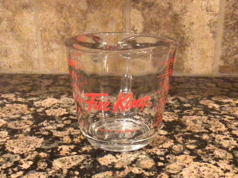 Vntg FIRE - KING 2 CUP (16oz) MEASURING CUP 9 #498 U.S.A. MADE RED LETTERING
