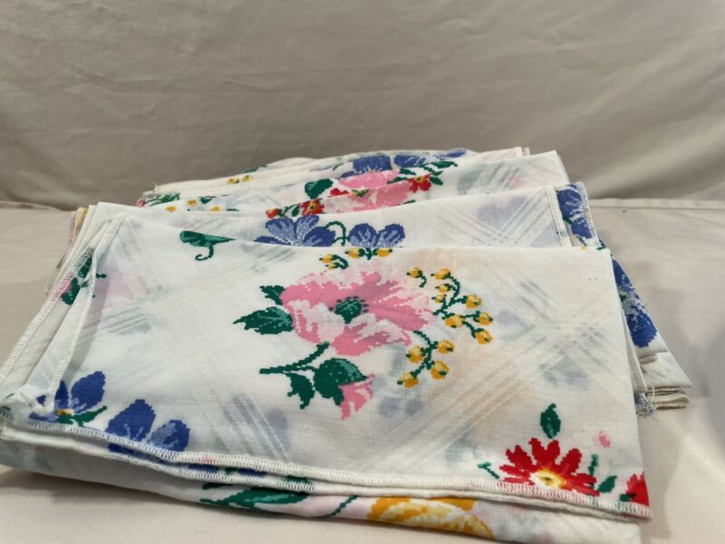 Set of 12 Vintage Linen Fabric Cloth Napkins 17x17 spring flower