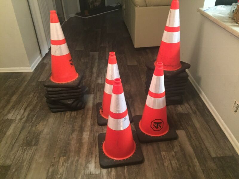 23 STSTraffic Cones