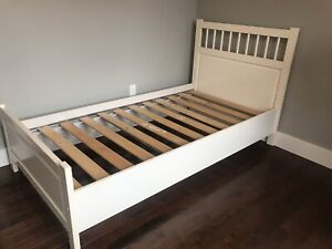 Twin BED - WHITE SOLD PENDING PICK UP