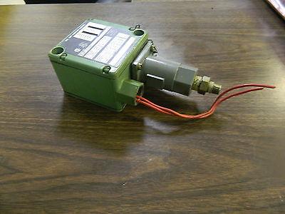 Allen Bradley Pressure Control Switch 836T-T400J, Ser A, Used, WARRANTY