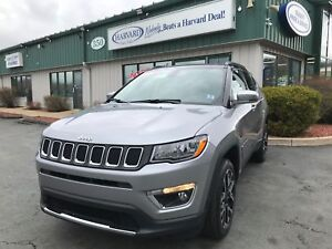 2017 Jeep Compass Limited Nav & Back up Camera