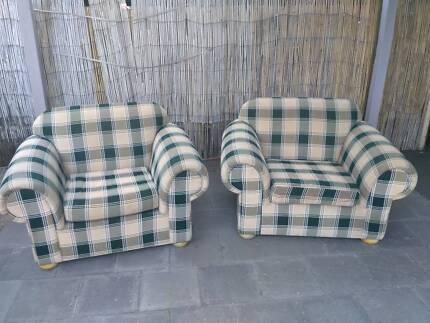 2 comfortable armchairs