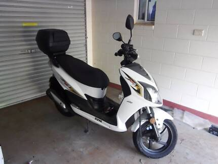 Jet R4 2013 Scooter