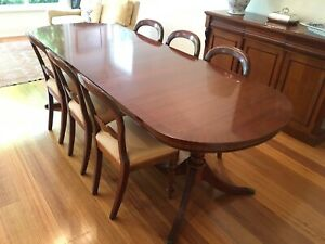 Wanted: Mahogany Antique Style Dining Table with 8 Chairs