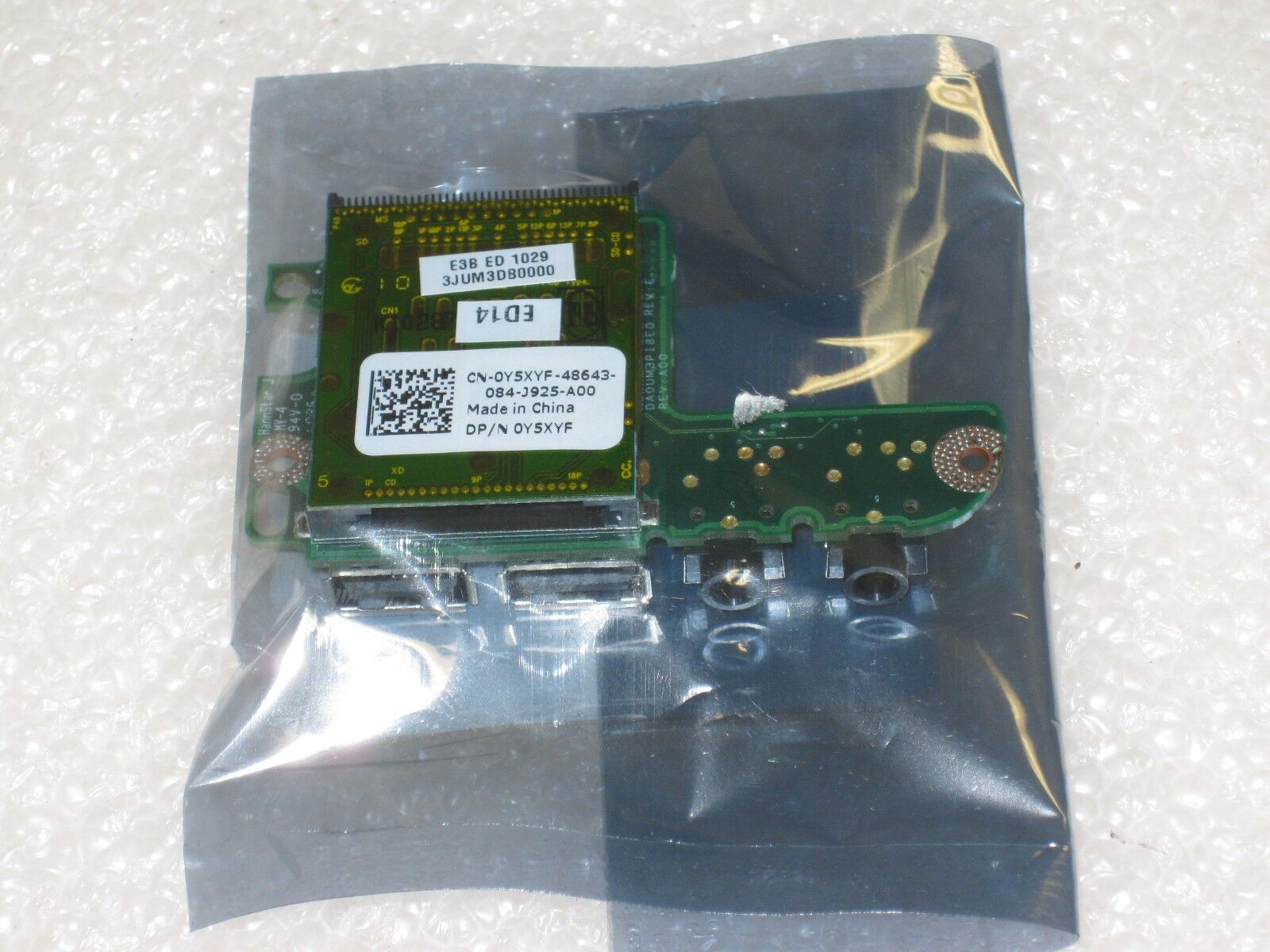 NEW Genuine Dell Inspiron 1764 1564 Audio SD Card Reader Y5X