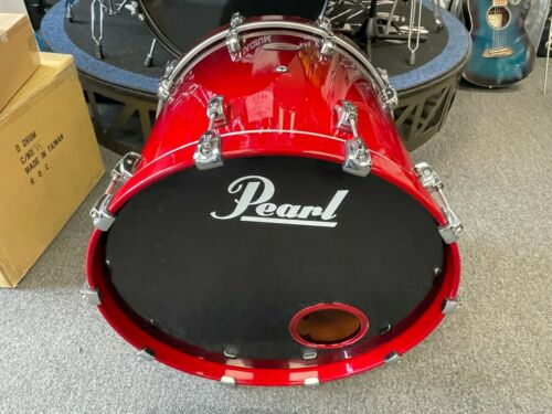 """Pearl """"Reference"""" series 18x22 bass drum"""
