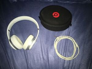 Selling for 200 or swap - BEATS HEADPHONES SOLO2 Bondi Beach Eastern Suburbs Preview