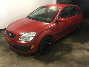 Quick sale 2006 kia rio fully loaded with only 105000km
