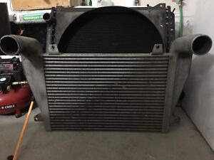 Freightliner fld 120 truck Radiator and air to air