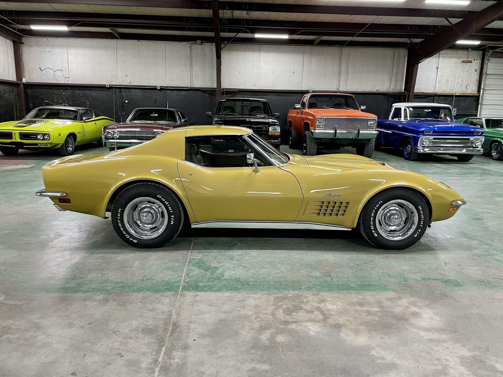 1972 Yellow Chevrolet Corvette   | C3 Corvette Photo 6