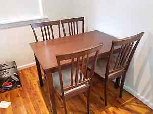 4 seater dining table North St Marys Penrith Area Preview