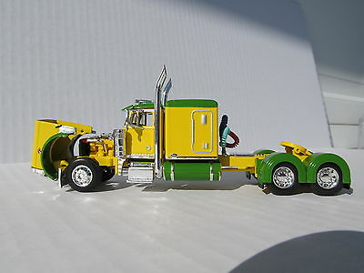 DCP 1/64 SCALE 379 PETERBILT 60'' BUNK GREEN & YELLOW (TRACTOR ONLY) 3