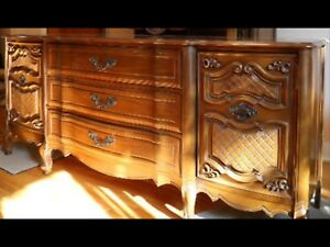 Beautiful vintage dresser/buffet FRENCH PROVINCIAL