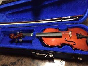 Menzel violin 1/8, 1/2 and 3/4