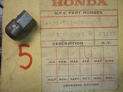 Honda 14451-081-000 VALVE ROCKER ARM PIVOT QA 50