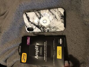 iphone xr otter box phone case and glare guard screen protect