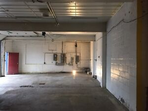 1800 sqft warehouse for just a little under $1.00/sqft per month