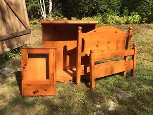 3-Piece Solid Pine Bedroom Set