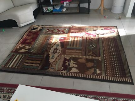 Almost brand new quality rug