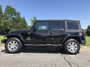 2014 jeep wrangler unlimited Sahara cuir GPS (rubicon)