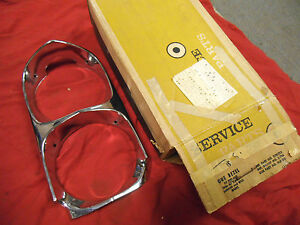 NORS NEW IN BOX 66 1966 67 1967 PONTIAC GTO LEMANS TEMPEST RIGHT HEADLIGHT BEZEL