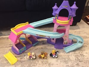 Girls Fisher Price Little People Sets x5