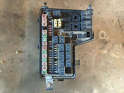 2002 2003 2004 2005 Dodge Ram 1500 Pick Up Truck 4.7L FUSE JUNCTION TIPM BOX