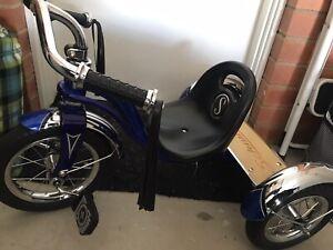 Kids Bike Schwinn 12 inch Roadster Tricycle