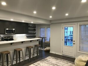 +++++Modern 2 bed/2.5bath townhouse in Orleans++++
