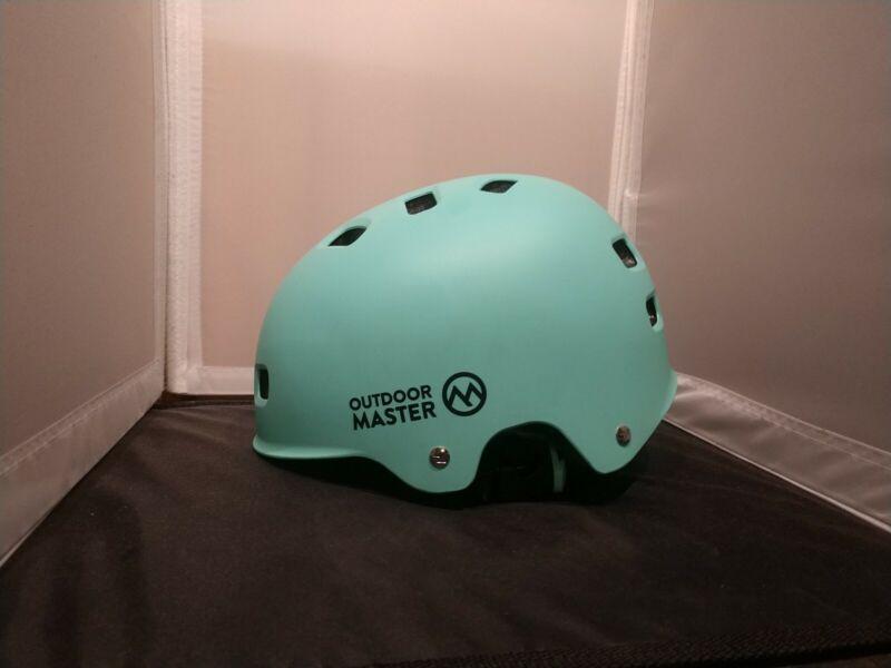 OUTDOOR MASTER SKATEBOARD CYCLING HELMET  SIZE MEDIUM Removable Padding
