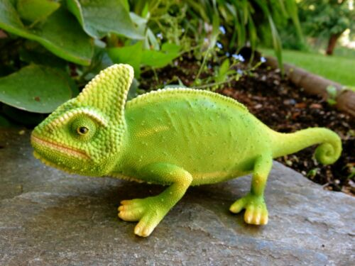 Chameleon Lizard Figurine Resin New 10 inches wide Tropical Decor Garden Home