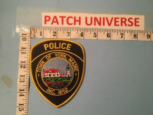 TOWN OF  YORK  MAINE POLICE  SHOULDER PATCH  E108