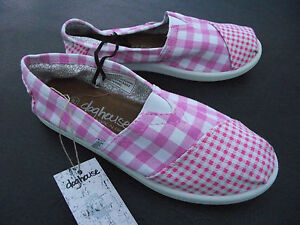 BNWT-Older-Girls-Ladies-Sz-9-Rivers-Doghouse-Brand-Pink-Checked-Canvas-Shoes