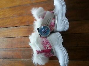 bran new toddlers girls size 5 winter boots