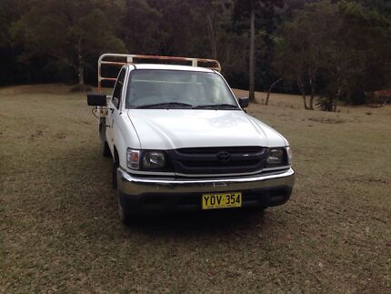 2003 hilux 2.7 turbo.  Bucca Coffs Harbour Area Preview