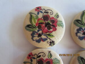 4 x 22mm Red & Blue Flower on Natural Wood BUTTONS 2 holes No. 219